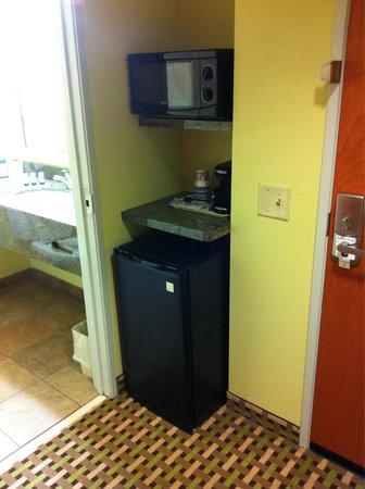 Best Western Plus Brunswick Inn & Suites: Room 229