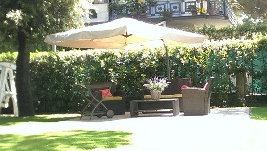Hotel Storyville: Teil der Gartenanlage