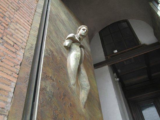 Basilica di Santa Maria degli Angeli e dei Martiri : Ingresso Basilica S. Maria degli Angeli e dei Martiri