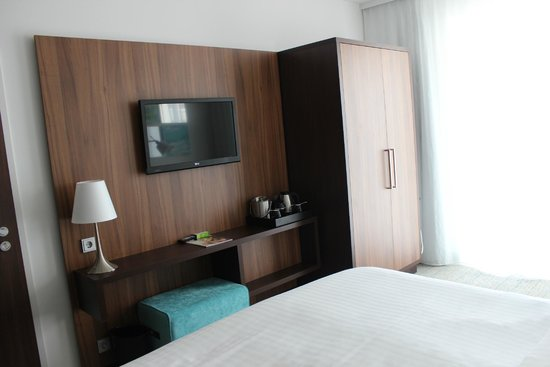 Courtyard by Marriott Cologne: quarto