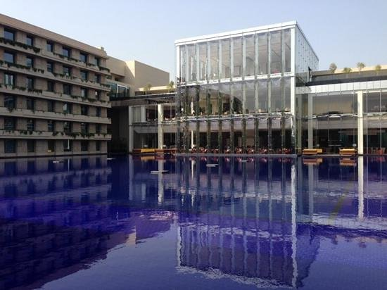 The Oberoi, Gurgaon: front vire