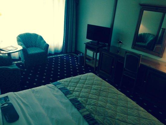 InterContinental Bucharest: room plus flatscreen