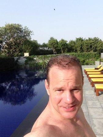 The Oberoi, Gurgaon: infinity pool