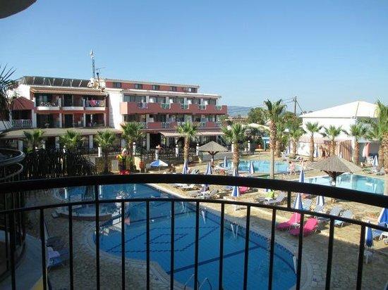 Carreta Beach Holiday Village: mooi uitzicht op het zwembad