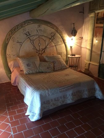 Au Coquin de Sort : Our guest room