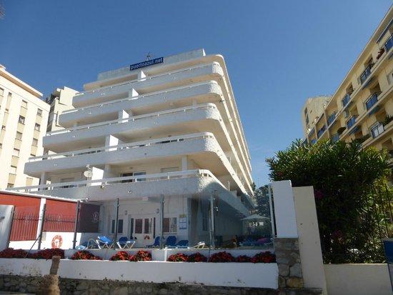Aparthotel Puerto Azul Marbella: vue de l'hotel côté mer