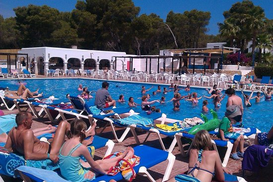 Cala Llenya Resort Ibiza: Pool Zumba!
