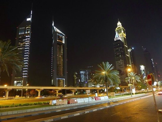 Jumeirah Emirates Towers: Night dubai