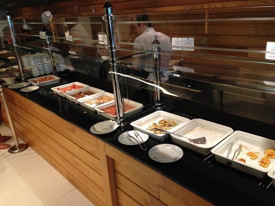 Mitsis Faliraki Beach Hotel: разнообразие и качество блюд