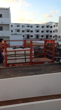Aparthotel Lanzarote Paradise: again more building materials delivered just outside our room