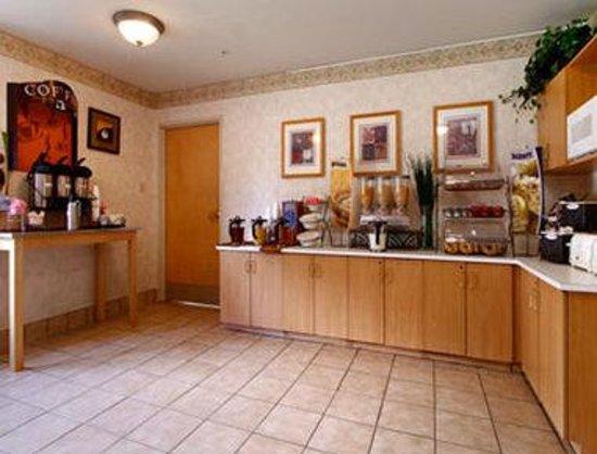 西賈斯特溫德姆麥克羅迪爾套房飯店照片