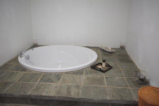 Buckingham Place: Sunken bath
