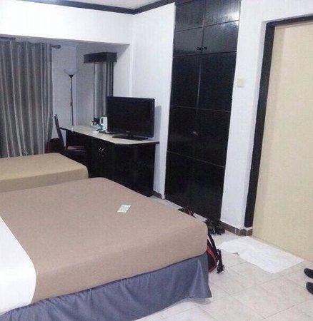 Batu Burok Beach Resort: Our family room.