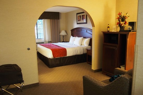 Comfort Suites Golden West on Evergreen Parkway: Bedroom