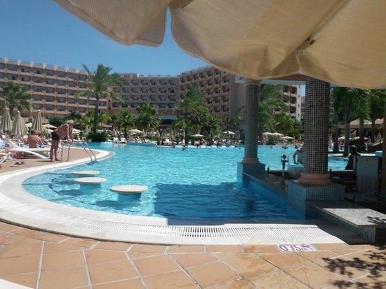 ClubHotel Riu Guarana: descansando en la piscina