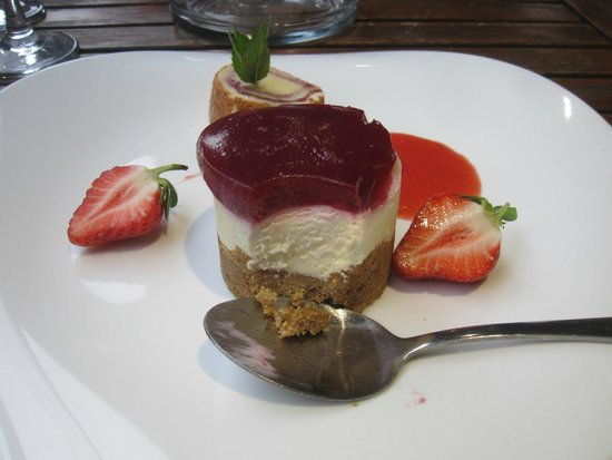 Farndon Boathouse : Exquisite homemade desert