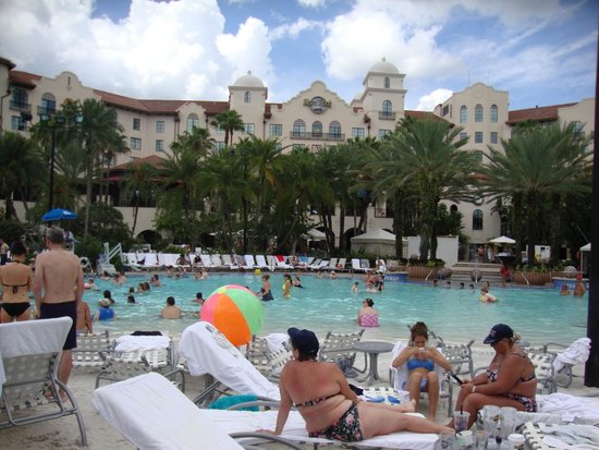 Hard Rock Hotel at Universal Orlando : Looking from pool area to back of Hard Rock Hotel