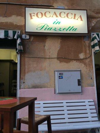 Focaccia in Piazzetta: Sign