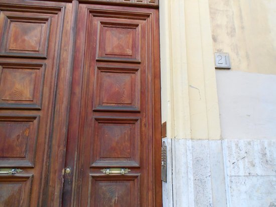 Rome Key Home Outer Door & Outer Door - Picture of Rome Key Home Rome - TripAdvisor pezcame.com