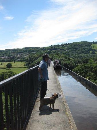 Pontcysyllte Aqueduct: Walking the aqueduct