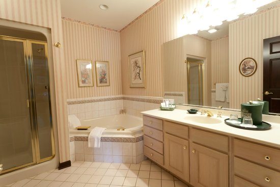 Inn at Aberdeen : ALL Jacuzzi Suites