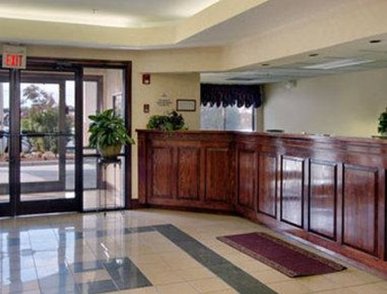 Days Inn Burlington East: Lobby