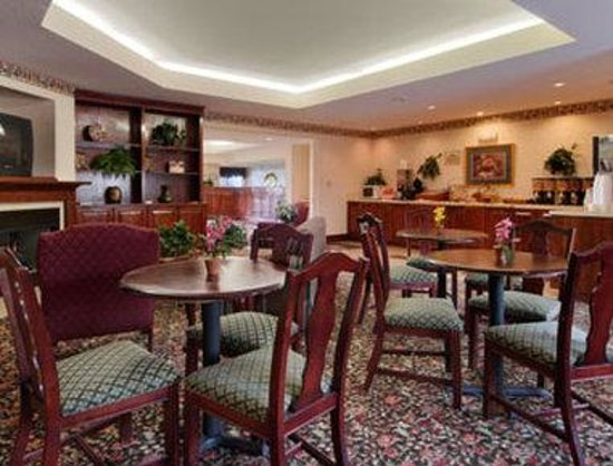 Days Inn Burlington East: Breakfast Area