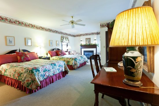 Inn at Aberdeen : 2-queen suite