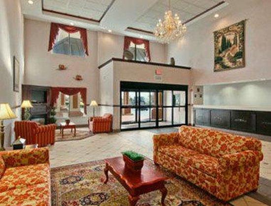 Ramada Harrisburg/Hershey Area: Lobby