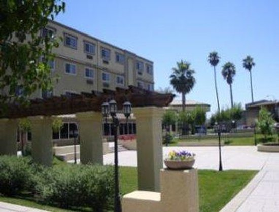 Welcome To The Ramada West Sacramento Hotel And Suites