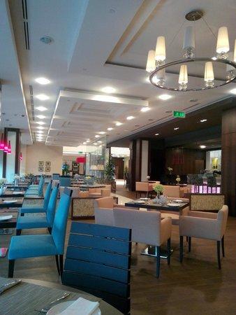 Hilton Garden Inn Astana : The hotel Dining area