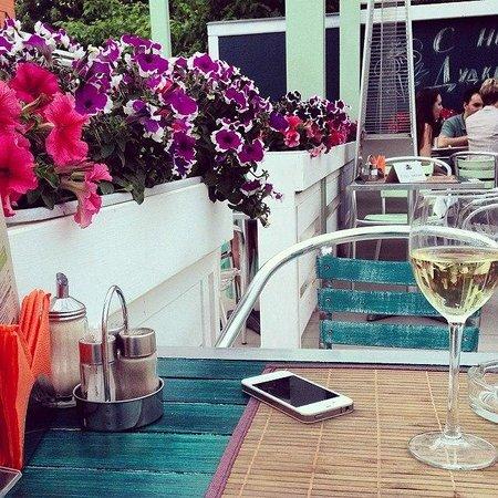 Dudki Bar: Летняя веранда 2014