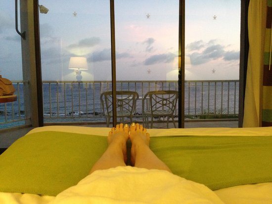 Sunscape Curaçao Resort Spa & Casino: Relaxing at sunset
