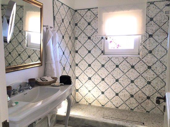 Villa Tre Ville : Romeo e Giulieta suite: bathroom