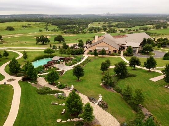 JW Marriott San Antonio Hill Country Resort & Spa: View from our 9th floor balcony, overlooking the wedding lawn and golf club.
