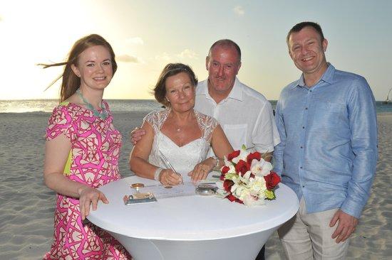 Manchebo Beach Resort & Spa: Wedding vows 1