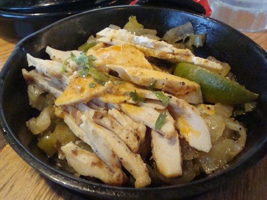 Chili's Grill & Bar: Chicken Fajhitas