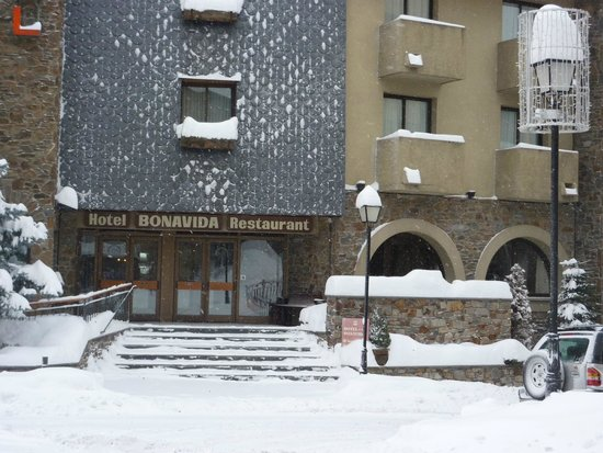 Hotel Bonavida: entrée de l'hôtel