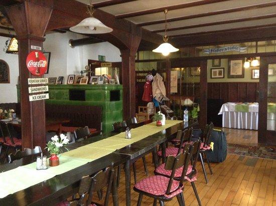 Zur Alten Brucke: Part of the dining area