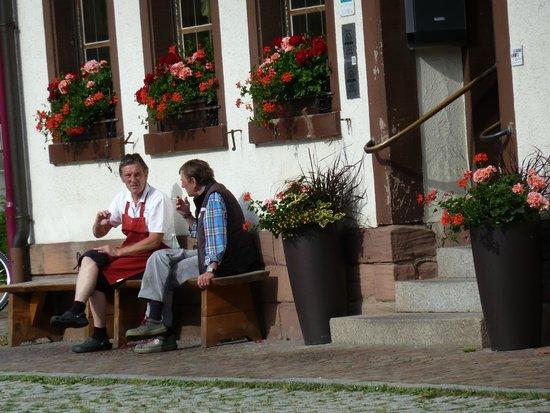 Zur Alten Brucke: Michael our host and a friend