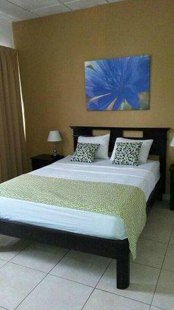Hotel Residencial Cervantes : La cama