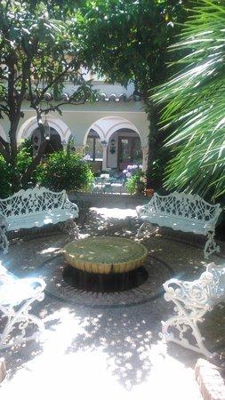 Eurostars Conquistador: Jardín