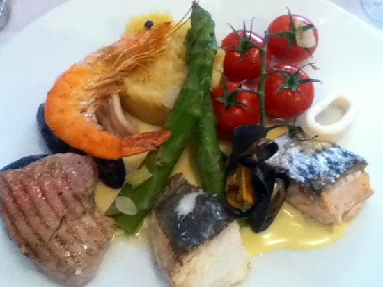 Amarine Arras: La parillade grilled fish selection - just gorgeous !