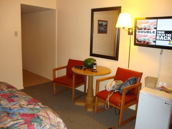 Dietzel Motel: Nice Room Updated