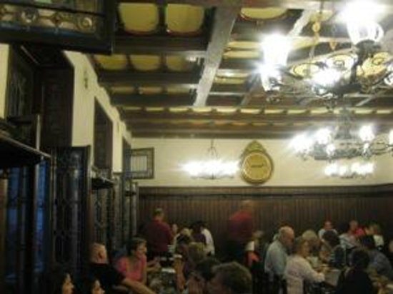 Restaurace U Fleku: Saturday Night in U Fleku