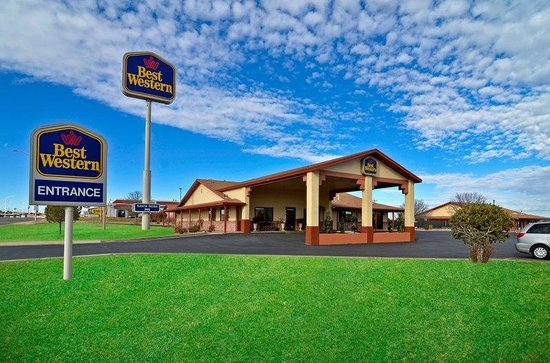 BEST WESTERN Santa Rosa Inn: Hotel Exterior