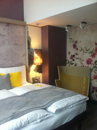 Hotel Indigo Berlin – Centre Alexanderplatz: stylish room