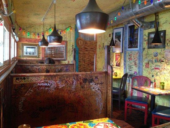 Victor's 1959 Cafe : Interior