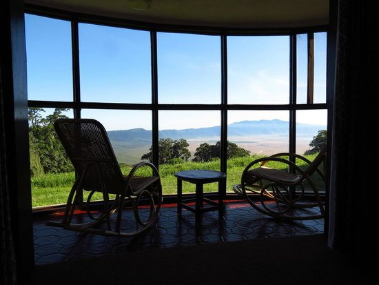 Ngorongoro Sopa Lodge: Indoor Balcony (crater rim gets cool)