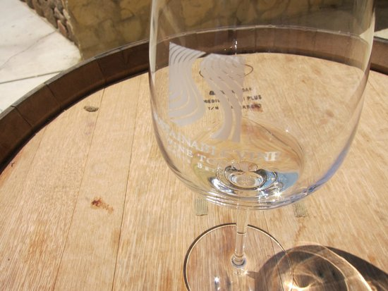 Sustainable Vine Wine Tours : SVWT glasses provided.